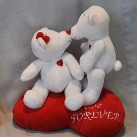 Soft Toy 25cm Bears Kissing - Plays 'I Love You'